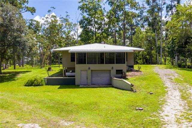 599 Captain Hendry Drive, Labelle, FL 33935 (MLS #221054044) :: The Naples Beach And Homes Team/MVP Realty