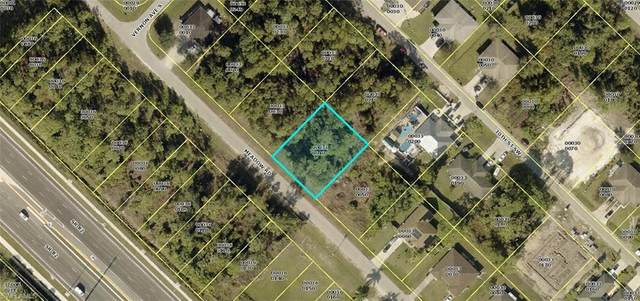 523-525 Meadow Road, Lehigh Acres, FL 33973 (MLS #221054077) :: BonitaFLProperties