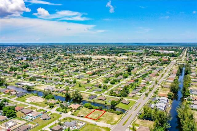 3206 SW 11th Place, Cape Coral, FL 33914 (MLS #221054143) :: Realty One Group Connections