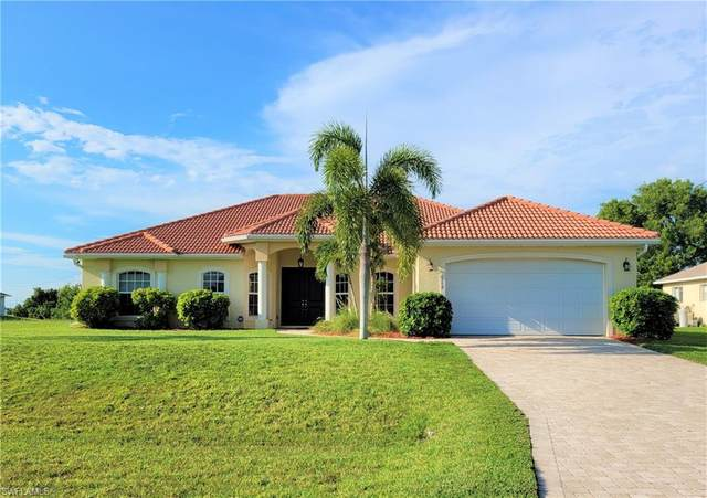 2478 NW 9th Terrace, Cape Coral, FL 33993 (MLS #221054360) :: Clausen Properties, Inc.
