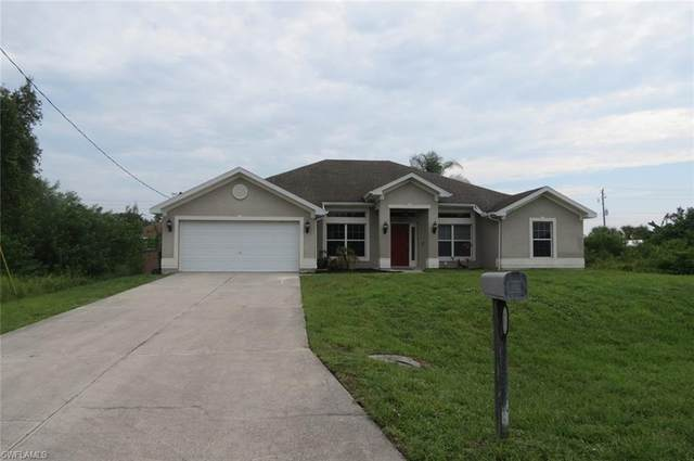 438 Thelma Court, Lehigh Acres, FL 33972 (MLS #221054393) :: The Naples Beach And Homes Team/MVP Realty