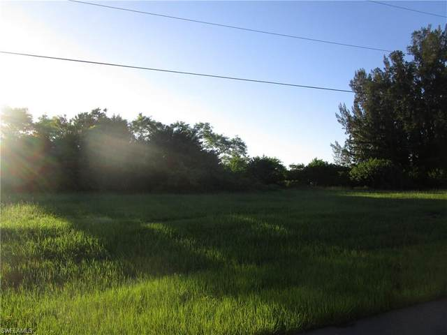 625 SW 18th Court, Cape Coral, FL 33991 (MLS #221054418) :: Clausen Properties, Inc.