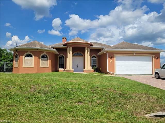 920 Highland Avenue, Lehigh Acres, FL 33972 (MLS #221054528) :: Clausen Properties, Inc.