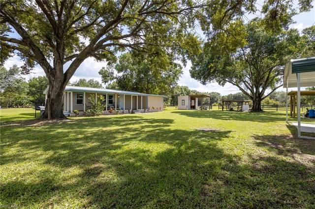 1212 Apache Trail NW, Labelle, FL 33935 (MLS #221054642) :: The Naples Beach And Homes Team/MVP Realty