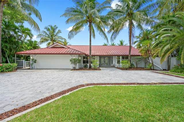 907 Jennifer Lane, Fort Myers, FL 33919 (MLS #221054674) :: The Naples Beach And Homes Team/MVP Realty