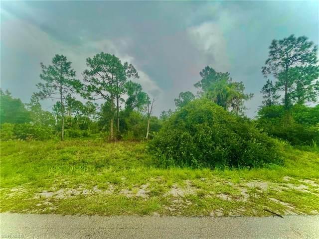 400 Leroy Avenue, Lehigh Acres, FL 33972 (MLS #221055026) :: Coastal Luxe Group Brokered by EXP