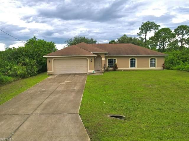 938 Graystone Avenue, Lehigh Acres, FL 33974 (MLS #221055429) :: Avantgarde