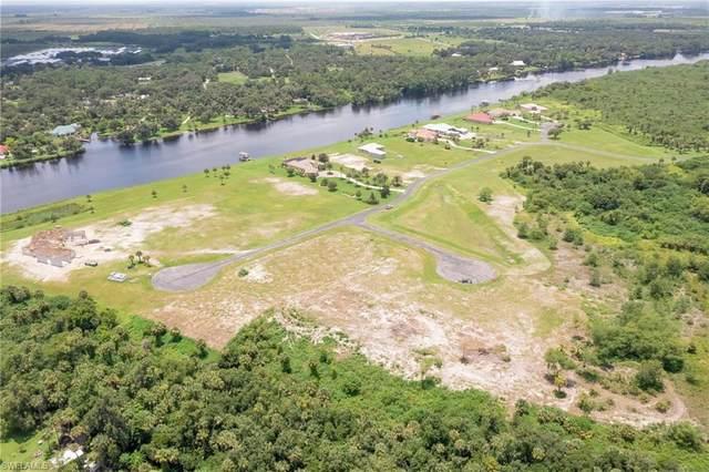 2554 Creekside Court, Labelle, FL 33935 (MLS #221055452) :: Clausen Properties, Inc.