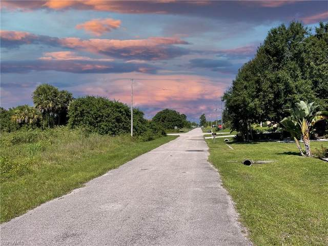 3007 39th Street SW, Lehigh Acres, FL 33976 (MLS #221055593) :: RE/MAX Realty Group