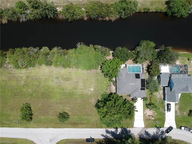 1015 NW 28th Place, Cape Coral, FL 33993 (#221055612) :: The Michelle Thomas Team