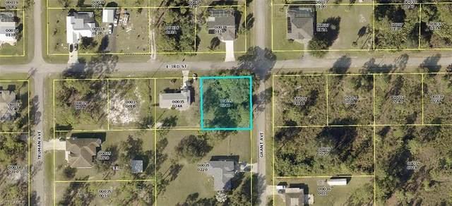 3306 E 3rd Street, Lehigh Acres, FL 33936 (#221055874) :: The Michelle Thomas Team