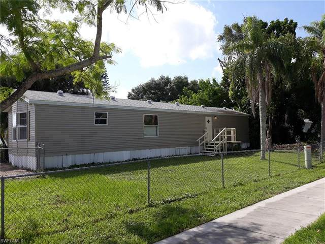 1811 Pacific Avenue, North Fort Myers, FL 33903 (#221056013) :: We Talk SWFL
