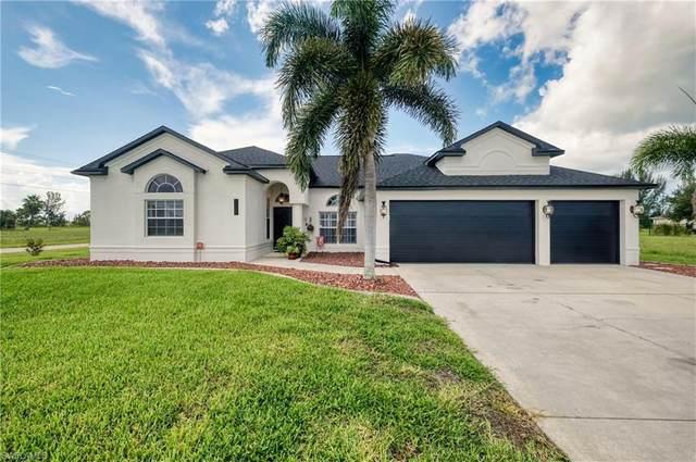 1718 NW 14th Terrace, Cape Coral, FL 33993 (MLS #221056362) :: Florida Homestar Team