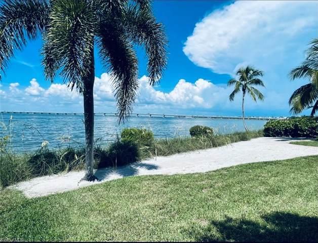 1028 Bayview Drive, Sanibel, FL 33957 (#221057610) :: MVP Realty
