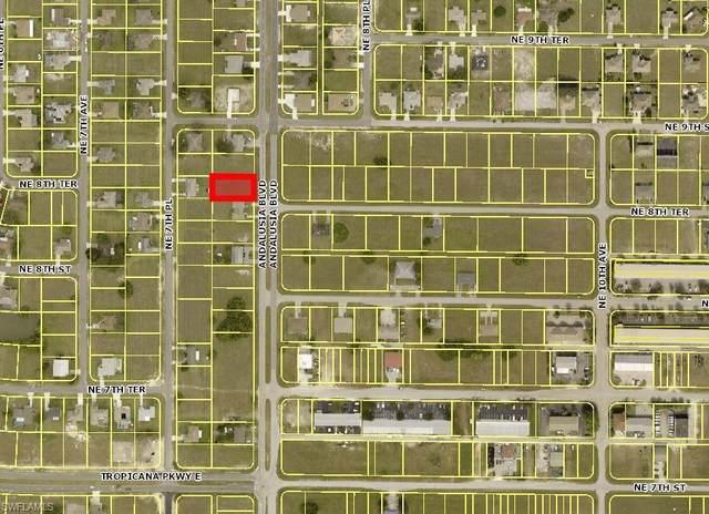 818 Andalusia Boulevard, Cape Coral, FL 33909 (MLS #221057736) :: Florida Homestar Team