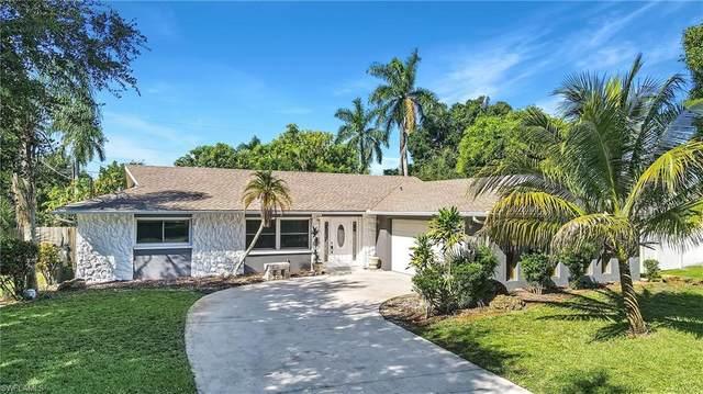 832 Entrada Drive N, Fort Myers, FL 33919 (MLS #221059737) :: Team Swanbeck