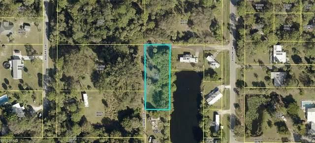 7604 Pierre Circle, North Fort Myers, FL 33917 (MLS #221060030) :: Avantgarde
