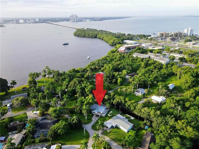 111 Standish Circle, North Fort Myers, FL 33903 (MLS #221060065) :: Wentworth Realty Group