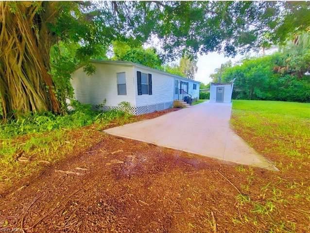 7623/7621 Breeze Drive, North Fort Myers, FL 33917 (MLS #221061482) :: Avantgarde