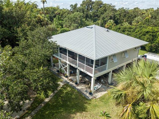 17850 Caloosa Road, Alva, FL 33920 (MLS #221062770) :: Clausen Properties, Inc.
