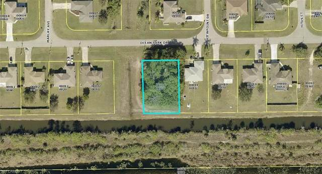 137 Ocean Park Drive, Lehigh Acres, FL 33972 (MLS #221063482) :: Team Swanbeck