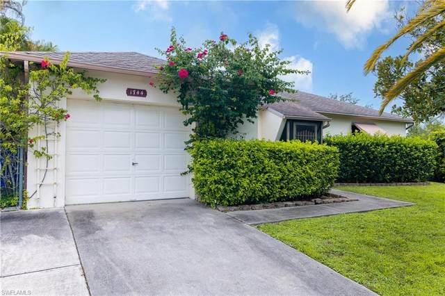 1744 Dockway, North Fort Myers, FL 33903 (MLS #221064315) :: Team Swanbeck