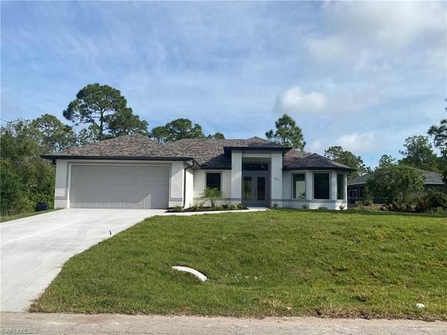 7907 19th Place, Labelle, FL 33935 (MLS #221065411) :: Avantgarde