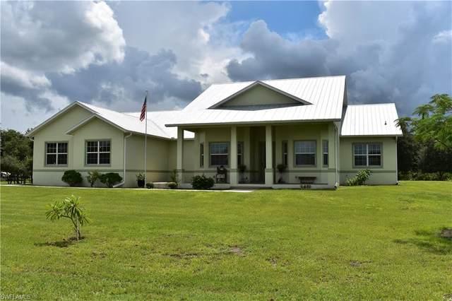 7907 14TH Place, Labelle, FL 33935 (MLS #221065540) :: Avantgarde
