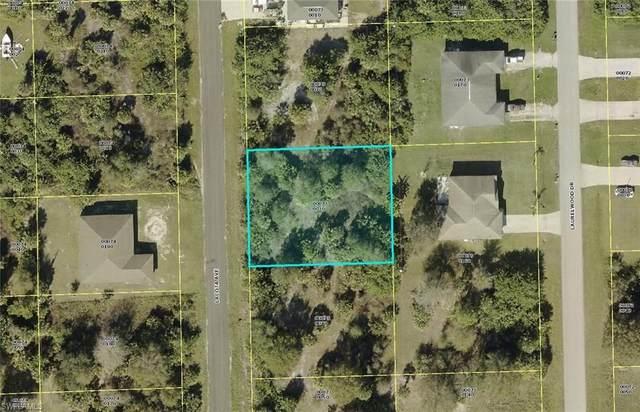6032 Lacota Avenue, Fort Myers, FL 33905 (MLS #221065934) :: Team Swanbeck