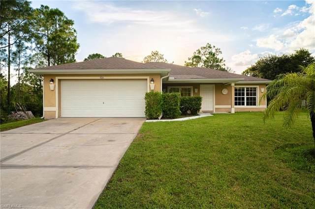 926 Hollister Avenue, Lehigh Acres, FL 33974 (MLS #221066005) :: #1 Real Estate Services