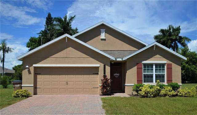 631 SW 27th Terrace, Cape Coral, FL 33914 (MLS #221066020) :: Realty One Group Connections