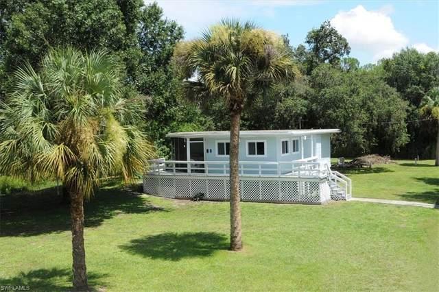 820 Sheldon Avenue, Lehigh Acres, FL 33936 (MLS #221066048) :: #1 Real Estate Services