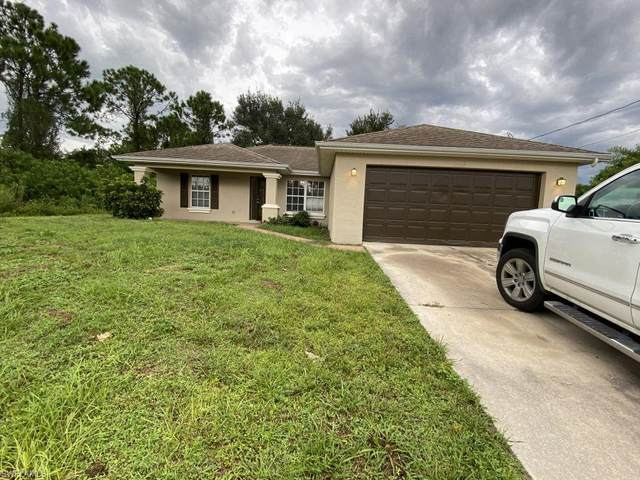 2702 4th Street SW, Lehigh Acres, FL 33976 (MLS #221066451) :: #1 Real Estate Services