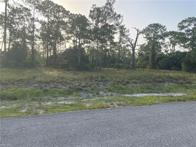 706 David Laird Lane, Lehigh Acres, FL 33974 (MLS #221066471) :: #1 Real Estate Services