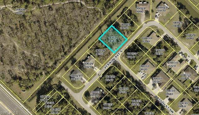 2908 / 2910 Vernon Avenue S, Lehigh Acres, FL 33973 (MLS #221066670) :: Realty One Group Connections