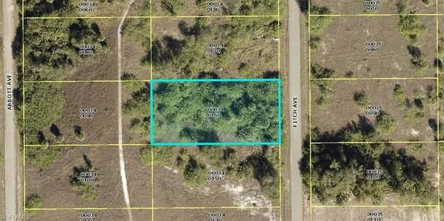 1807 Fitch Avenue, Lehigh Acres, FL 33972 (MLS #221066822) :: Avantgarde