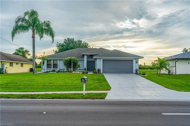 4340 Country Club Boulevard, Cape Coral, FL 33904 (MLS #221067194) :: Clausen Properties, Inc.