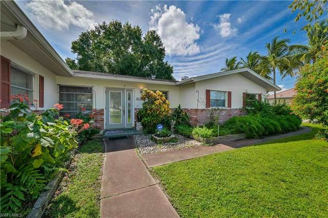 4300 Harbour Lane, North Fort Myers, FL 33903 (#221067197) :: Caine Luxury Team