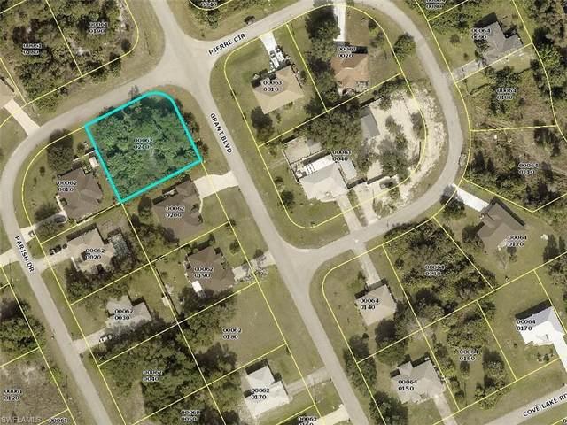 135 Grant Boulevard, Lehigh Acres, FL 33974 (MLS #221067227) :: Team Swanbeck