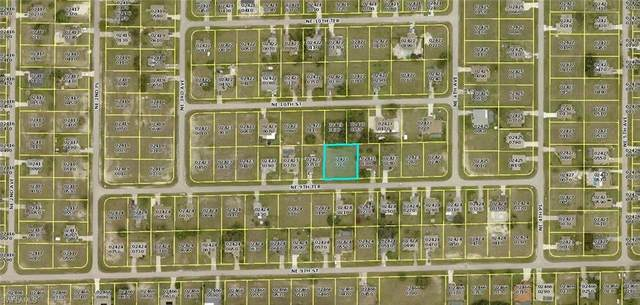 327 NE 9th Terrace, Cape Coral, FL 33909 (MLS #221067678) :: Medway Realty