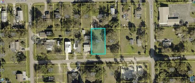 313 Nogales Street, Fort Myers, FL 33916 (MLS #221067758) :: Realty One Group Connections