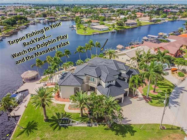 1814 SE 44th Street, Cape Coral, FL 33904 (MLS #221067772) :: Clausen Properties, Inc.