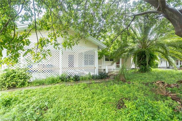 315 Cleveland Avenue, Lehigh Acres, FL 33936 (MLS #221068638) :: Wentworth Realty Group