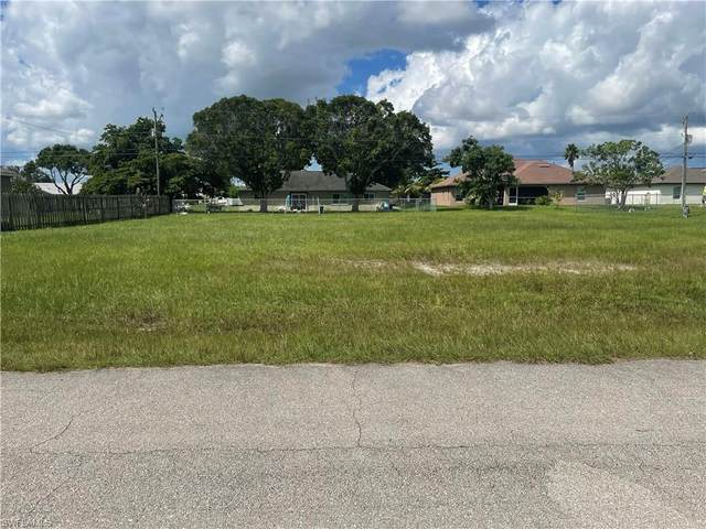 1210 NE 3rd Avenue, Cape Coral, FL 33909 (MLS #221068842) :: The Naples Beach And Homes Team/MVP Realty