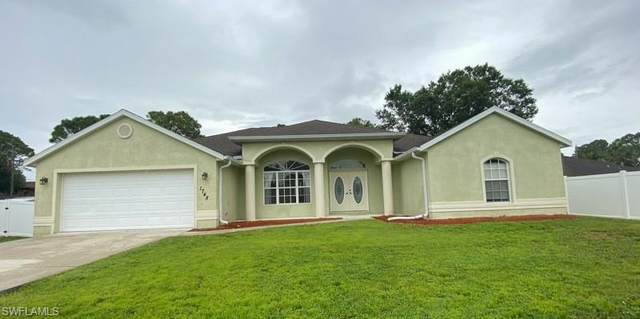 1748 N Salford Boulevard, North Port, FL 34286 (MLS #221069815) :: Realty One Group Connections
