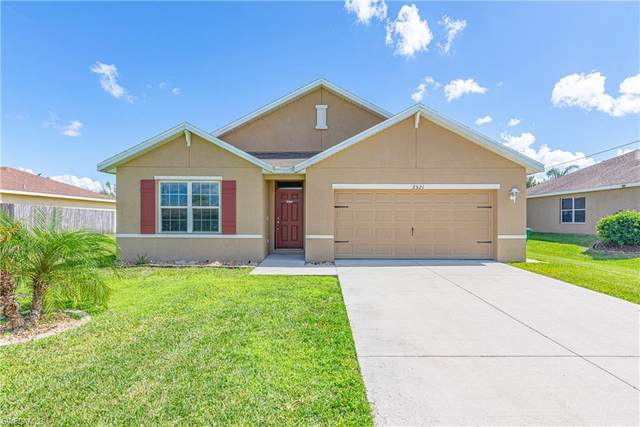 2521 SW 11th Place, Cape Coral, FL 33914 (MLS #221072160) :: Sun and Sand Team