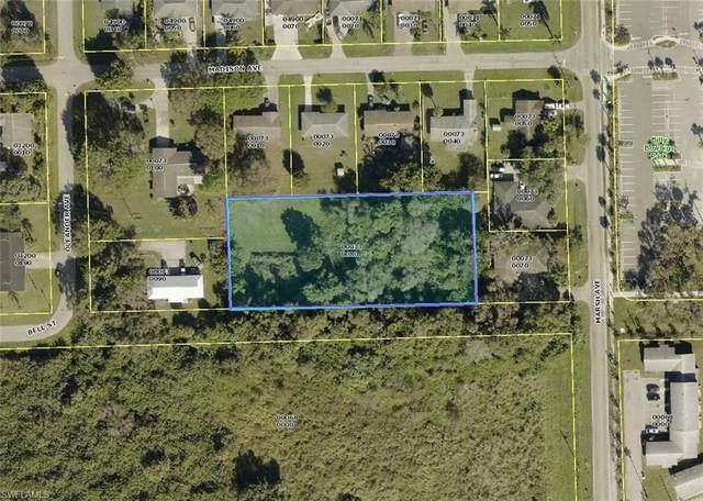 Bell Street, Fort Myers, FL 33916 (MLS #221073030) :: Clausen Properties, Inc.
