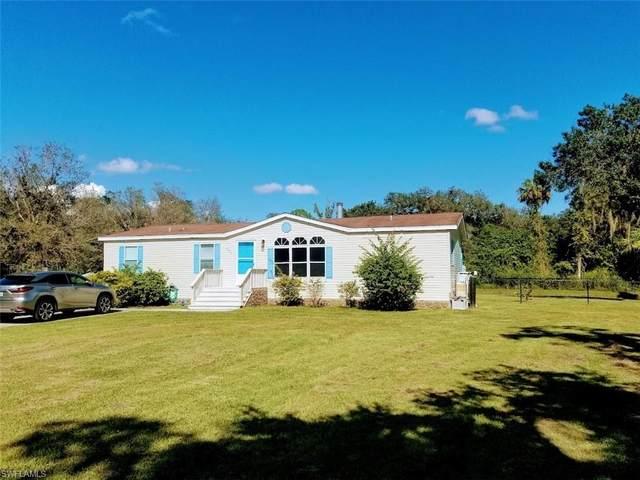 530 Brittany Lane, Labelle, FL 33935 (MLS #221073065) :: Medway Realty