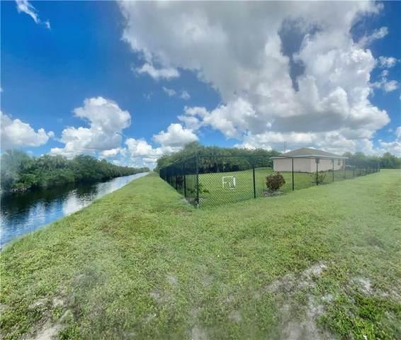 330 Labree Avenue S, Lehigh Acres, FL 33974 (MLS #221073135) :: Team Swanbeck