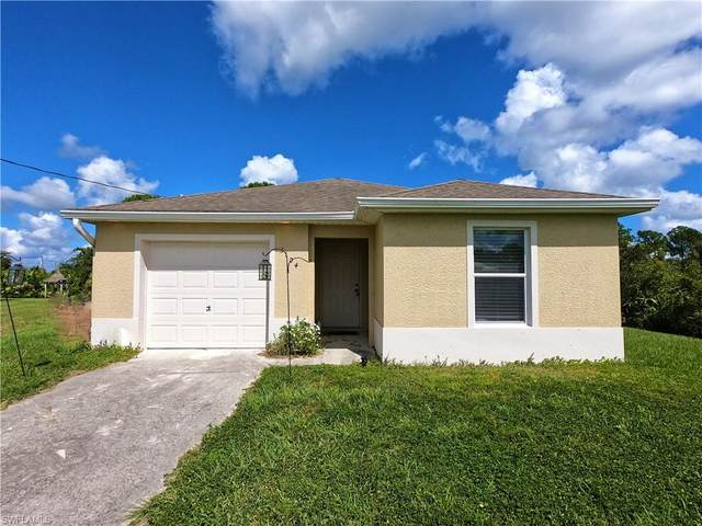 3104 72nd Street W, Lehigh Acres, FL 33971 (MLS #221073299) :: #1 Real Estate Services